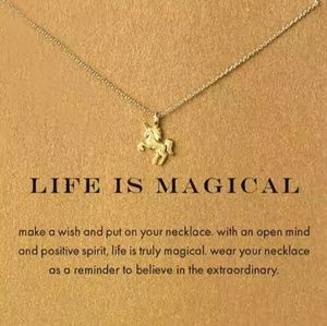 🦄 LIFE IS MAGICAL 🦄 UNICORN NECKLACE